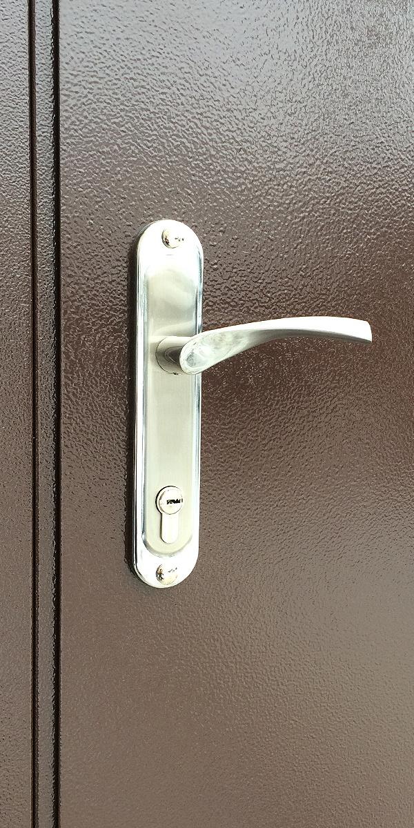 Фото металлической входной тамбурной двери производства ООО Деловой металл