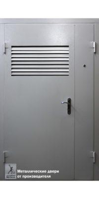 Входная двустворчатая дверь с вентиляционной решёткой-1