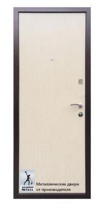 Фото обратной стороны металлическаой входной двери ДМГ-101