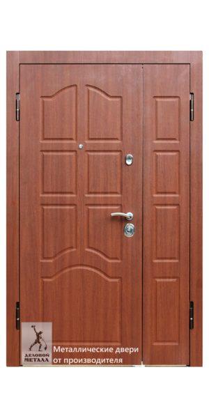Металлическая входная дверь в квартиру ДМС-805 с внутренней накладкой под межкомнатные двери