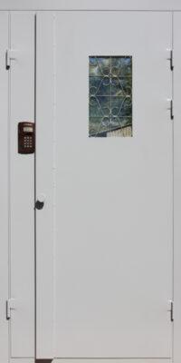 Дверь в подъезд